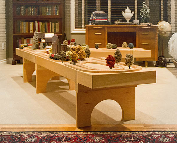 A Modular Standard For Wood Track Tables And Shelf Railways